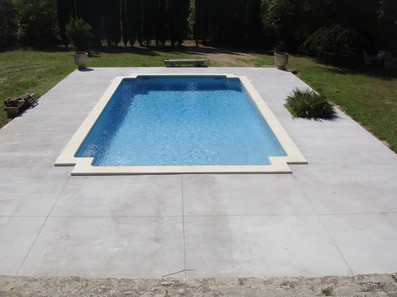 Dfc les artisans du b ton piscines sols b ton for Equipement piscine beton